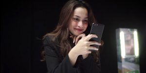 f1s raisa phone 300x150
