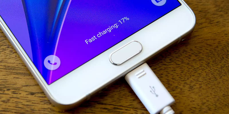 7 Smartphone with Charge Duration Most Powerful Year 2017