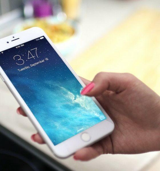 beli smartphone 560x600