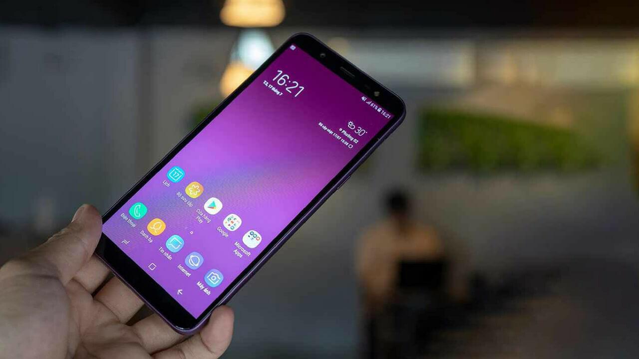 Samsung Galaxy J6 vs Samsung Galaxy J8 4