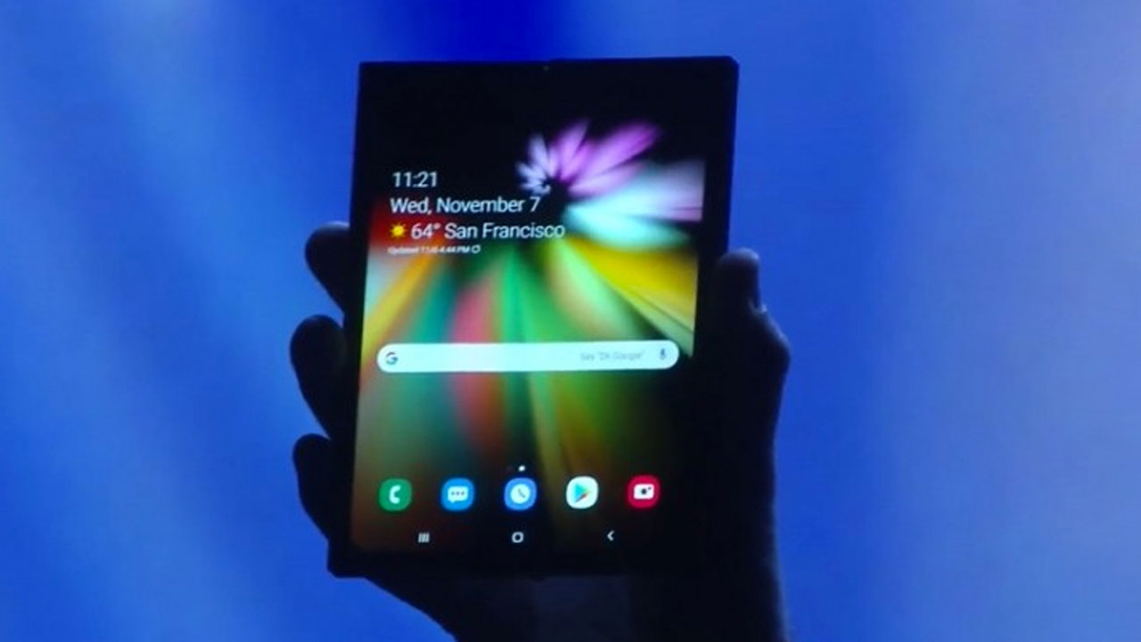 Samsung Officially Displaying Flexible Screen Smartphone Made
