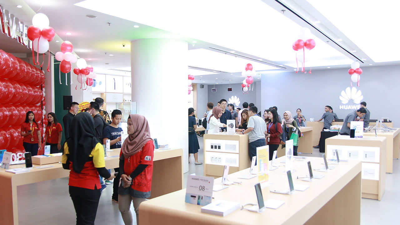 Image result for huawei high end experience shop indonesia
